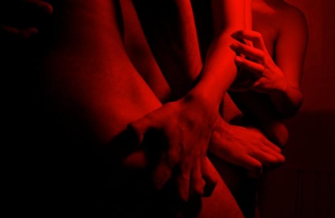 A oscuras o con luz. Dos formas de practicar sexo